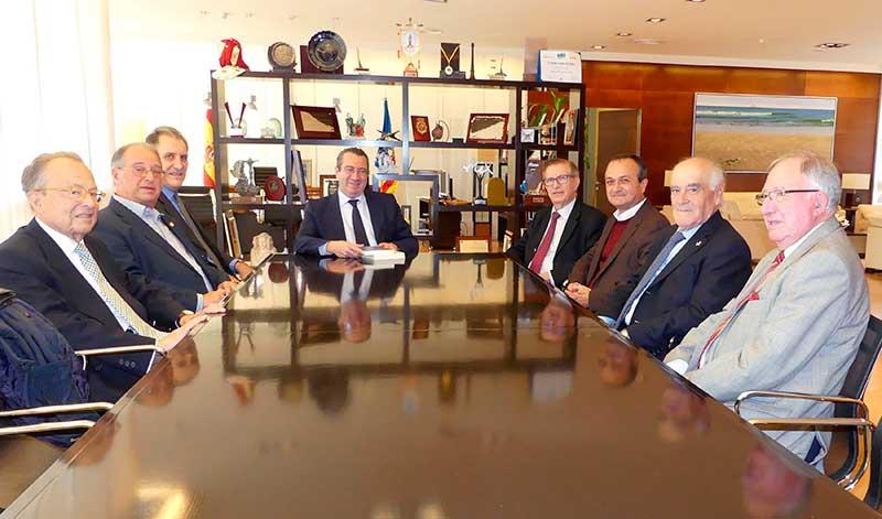 El alcalde de Benidorm recibió a la Junta de Gobierno de la RACV