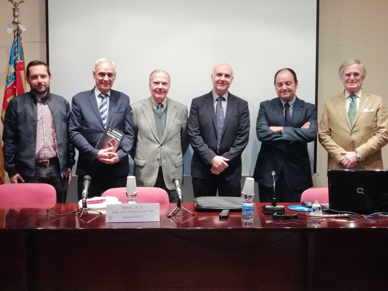 """Presentació del llibre de José Bonet """"En defensa del Derecho Civil Valenciano""""."""