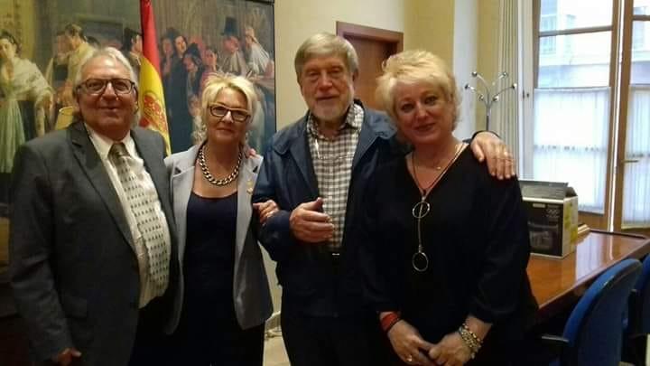 Defenem Valéncia i José Aparicio Pérez
