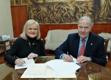 Firma convenio RACV - Ateneo Mercantil